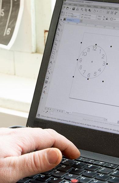 Puine vanerin laserleikkaus ohjelmointi